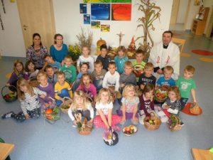 Erntedankfeier für Volksschule und Kindergarten